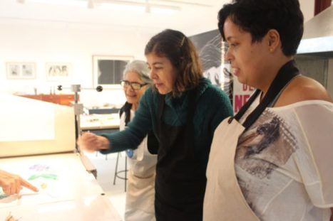 Cacau, Marcia and Debora appreciate the result coming out of the press.